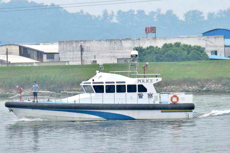 江河湖泊巡逻船只采用船载动中通组网和实时视频无线传输